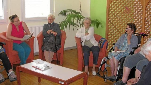 A Saint-Jacut-les-Pins, la médiathèque à la rencontre des personnes résidentes de la maison d'accueil Angélique LeSourd